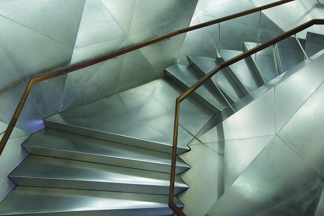 escaleras caixa forum | Felipe Gabaldón